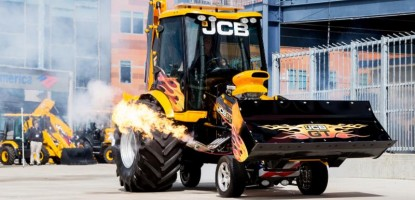 JCB GT - The fastest backhoe loader on Planet Earth